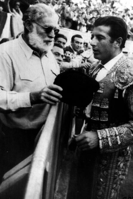 Hemingway_torero_Antonio_Ordonez
